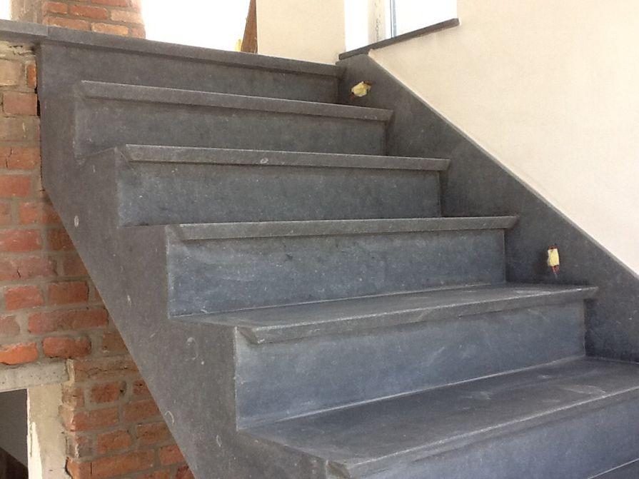 escalier en marbre ou pierre bleue li ge avec ers marbrerie. Black Bedroom Furniture Sets. Home Design Ideas