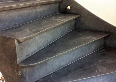 Escalier en pierre bleue belge à Liège